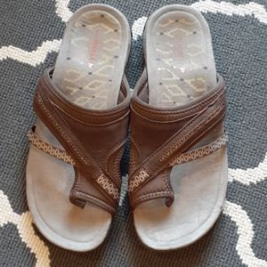 Merrell  Brown Leather Toe Wrap Sandals 8